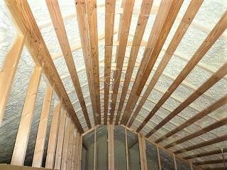 天井裏の断熱材